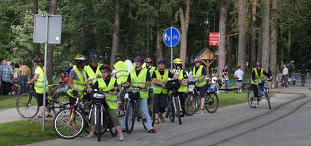 grupa rowerzystów