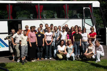 Grupa młodzieży ze szkoły w Sopoćkiniach na Białorusi