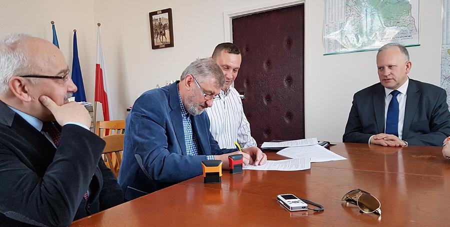 Podpisanie umowy na przebudowę ulicy Hożej i Licealnej