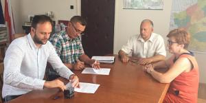 Podpisanie umowy na budowę mostu w miejscowości Bargłówka