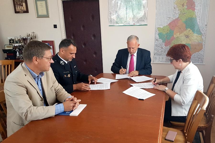 Podpisanie umowy z OSP Augustów – Lipowiec