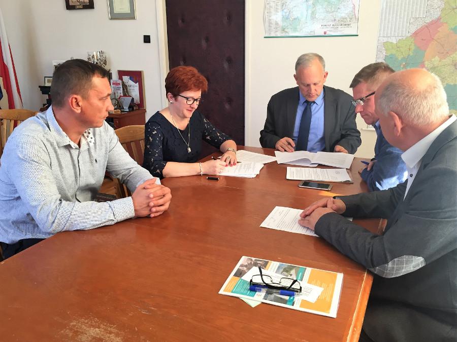 Podpisanie umowy na przebudowę ul. Saperów w Lipsku