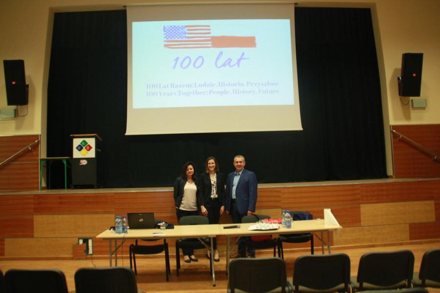 Spotkanie młodzieży z konsulem amerykańskim - fot.2
