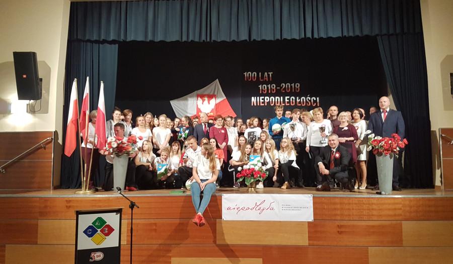 Młodzież ACE uczciła 100. Rocznicę Odzyskania Niepodległości - fot.2