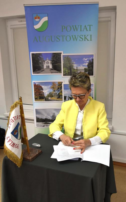 """podpisanie umowy o dofinansowanie projektu """"Wzajemna współpraca na rzecz wzmocnienia zdolności systemu opieki zdrowotnej na pograniczu litewsko-polskim"""""""