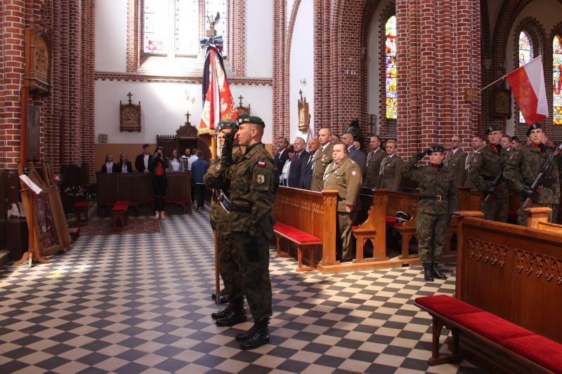Obchody Narodowego Dnia Zwycięstwa - msza święta w kościele pw. Matki Bożej Anielskiej w Lipsku