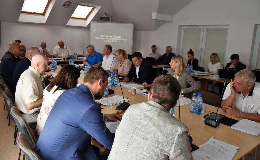 Obrady VI sesji Rady Powiatu w Augustowie