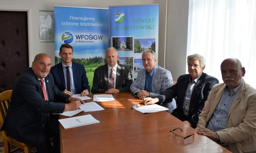 Podpisanie umowy na rzecz działań proekologicznych