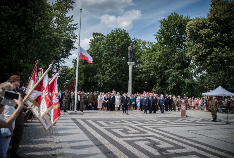 Obchody 100. Rocznicy Odzyskania Niepodległości przez Ziemię Augustowską na Rynku Zygmunta Augusta