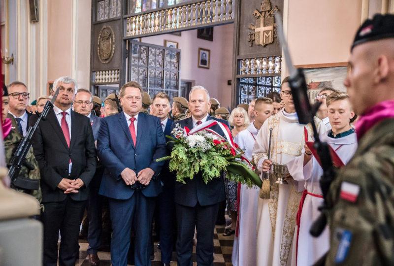 Odsłonięcie tablicy poświęconej ks. Stanisławowi Szczęsnowiczowi oraz Żołnierzom walczącym o niepodległość Ziemi Augustowskiej w latach 1918-1920