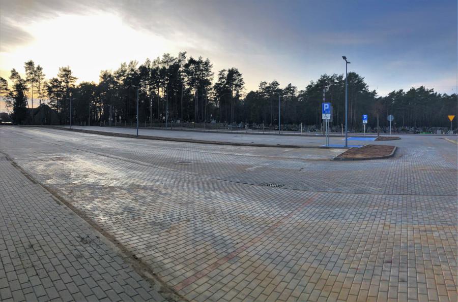 Parking przy szpitalu w Augustowie