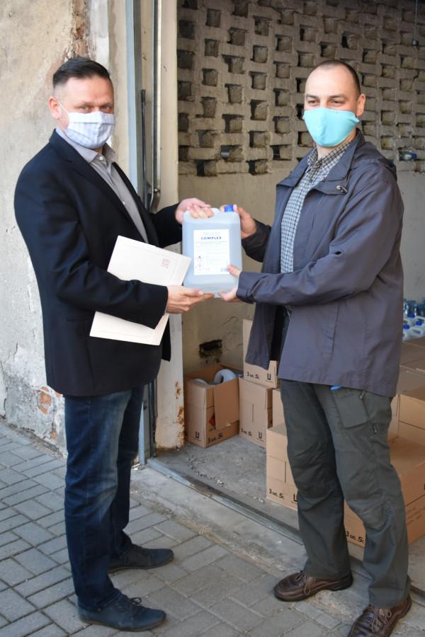 Płyny dezynfekcyjne przekazane dla przedszkoli i żłobków z Powiatu Augustowskiego