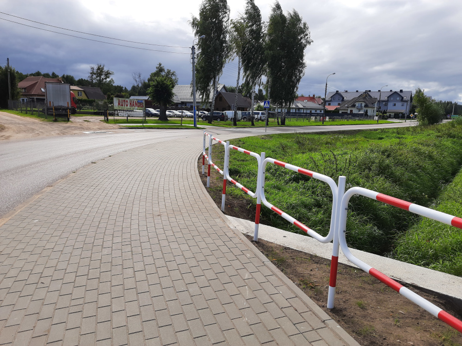 Nowo wybudowany chodnik przy ul. Wypusty w Augustowie - fot. 1
