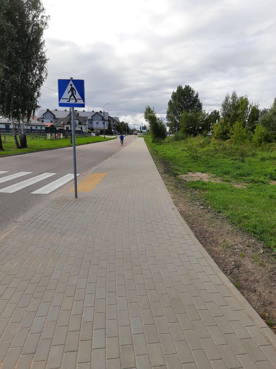 Nowo wybudowany chodnik przy ul. Wypusty w Augustowie - fot. 2